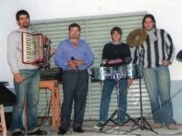 EL CHAVO -  JULIAN RODRIGUEZ - DAVID Y DAMIAN LUJAN