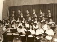 1968 - Directora María del Carmen Díaz y con la asistencia de la señorita Liliana Wurst.  Primera actuación en el Departamento de cultura
