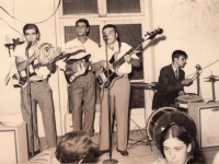the-sharks-club-social-gral-belgrano-1968ruben-dario-mumoz-orito-bernasconi-raul-zacariaz-hugo-fernandez-copiar
