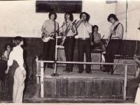 safuka-1971-primera-actuacion-en-baile-panatieri-angel-pajaro-casachia-dardo-gueche-lujan-aranda-miguel-angel-jose-luis-diaz